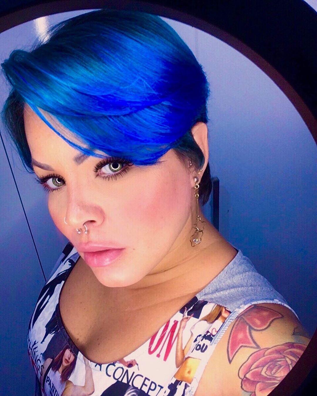 blu corti lisci