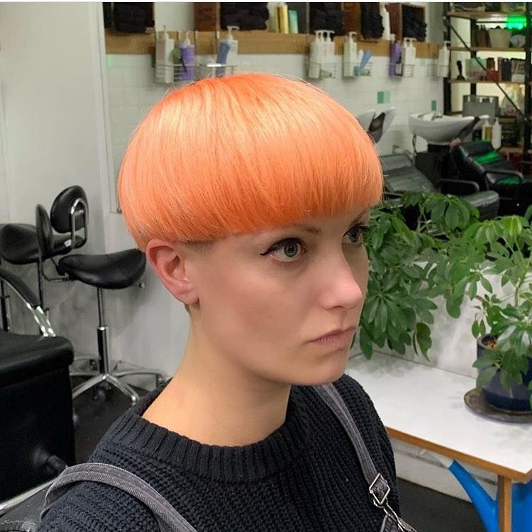 arancioni lisci corti