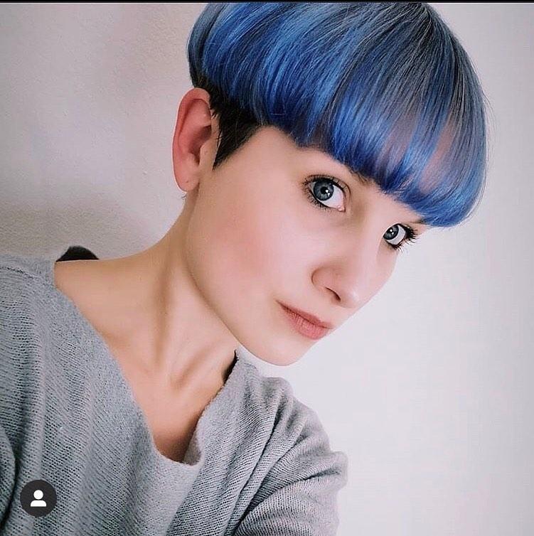 lisci blu corti