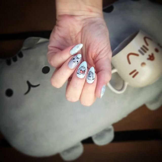 Manicure gatti