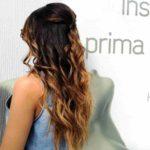 Acconciature capelli lunghi semiraccolto