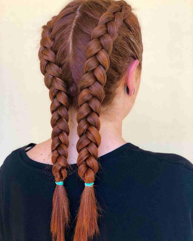 Acconciatura capelli lunghi trecce