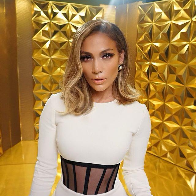 Jennifer Lopez long bob
