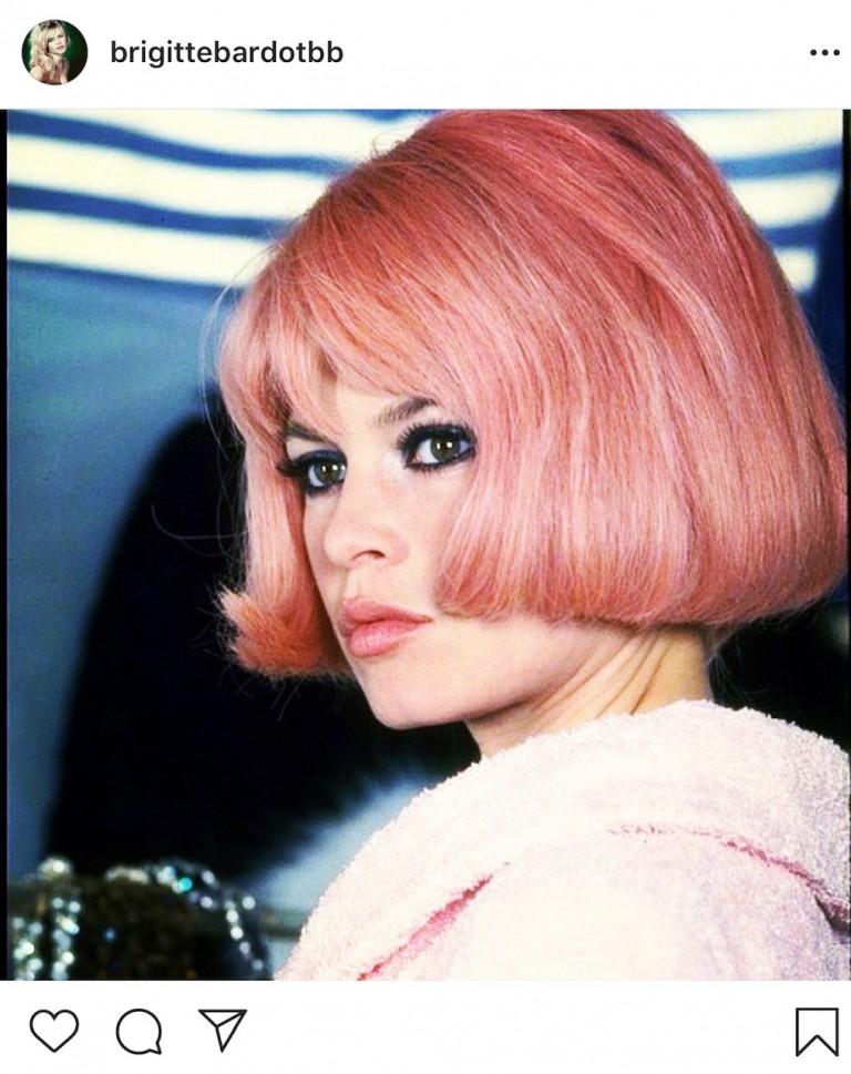 Brigitte Bardot capelli rosa