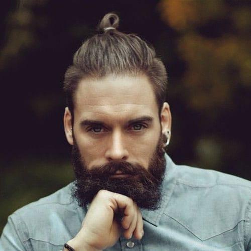 Top knot e barba