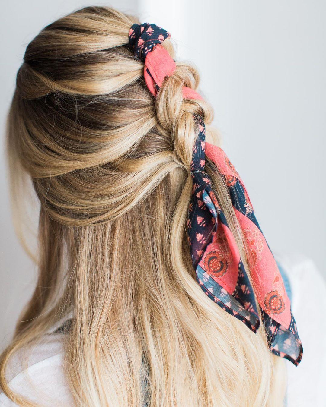 fascia capelli lunghi biondi lisci