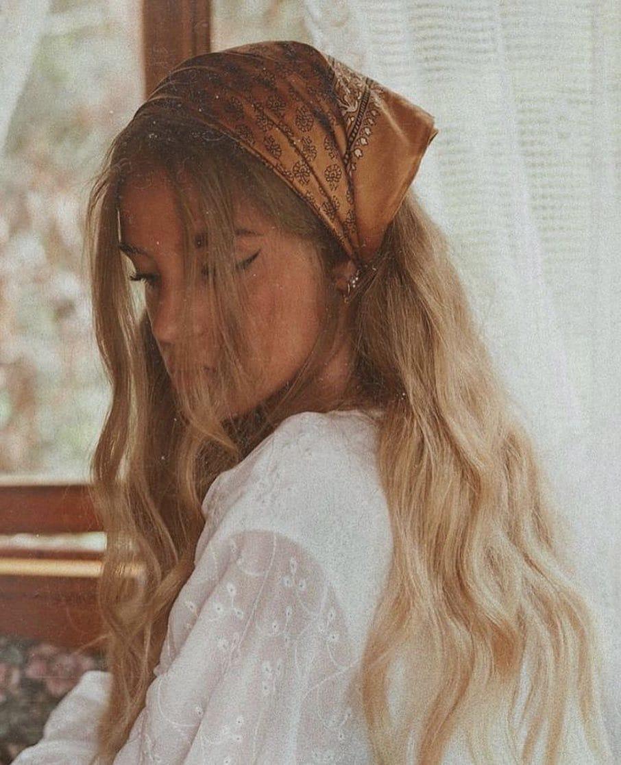 fascia capelli biondi lunghi