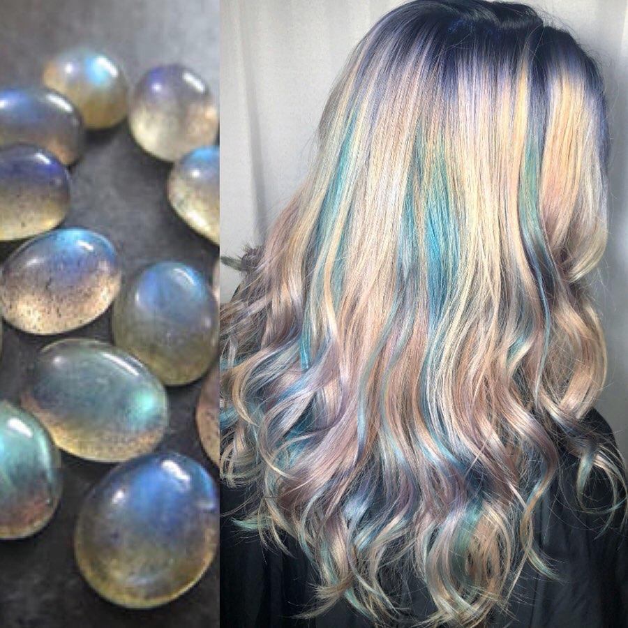 arte capelli azzurri
