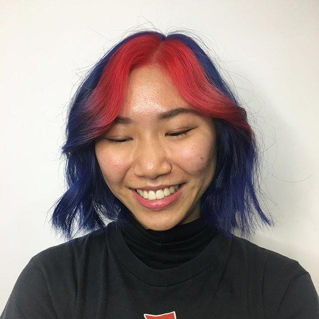 meches rosse capelli blu