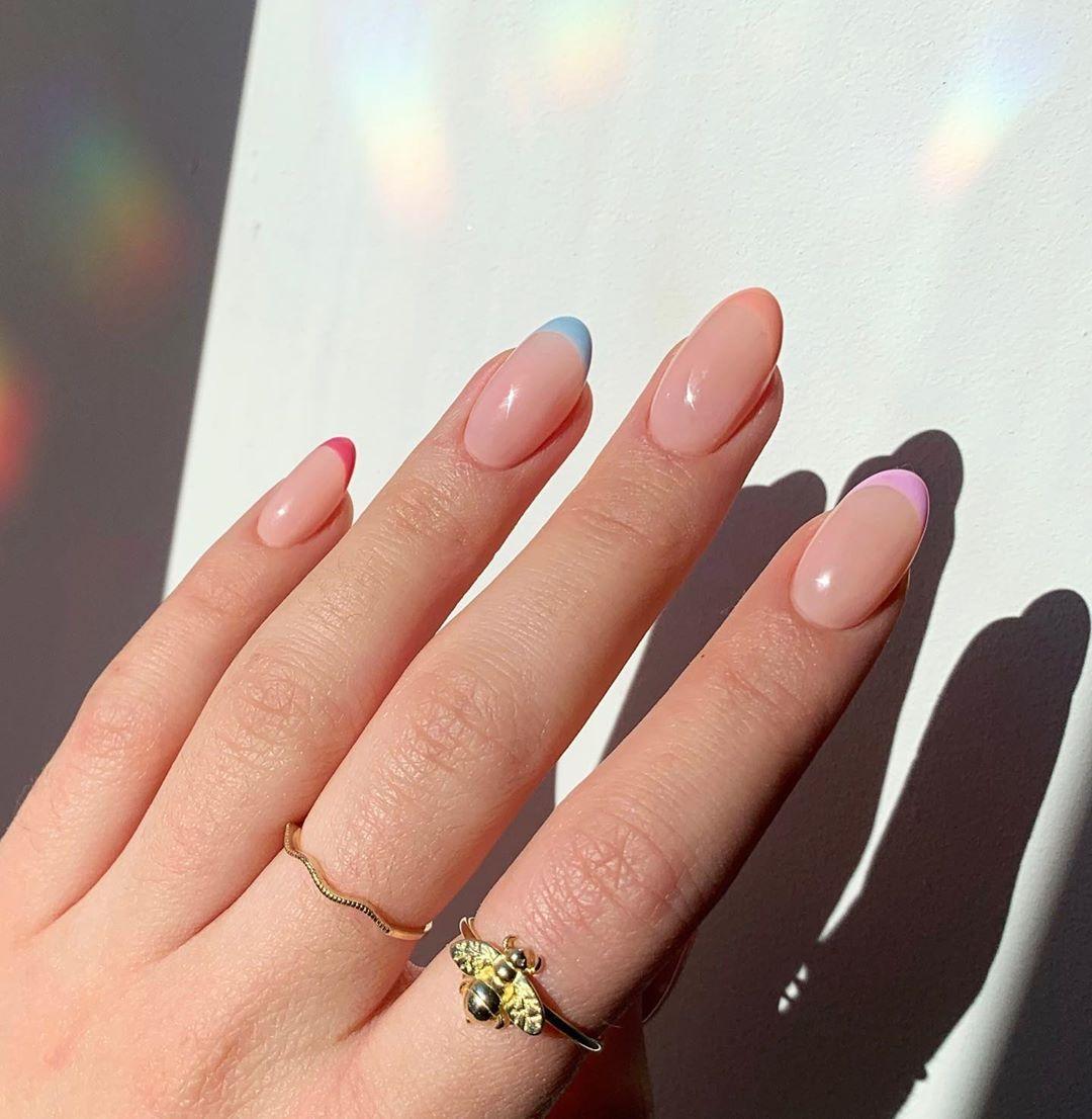 french manicure pastello