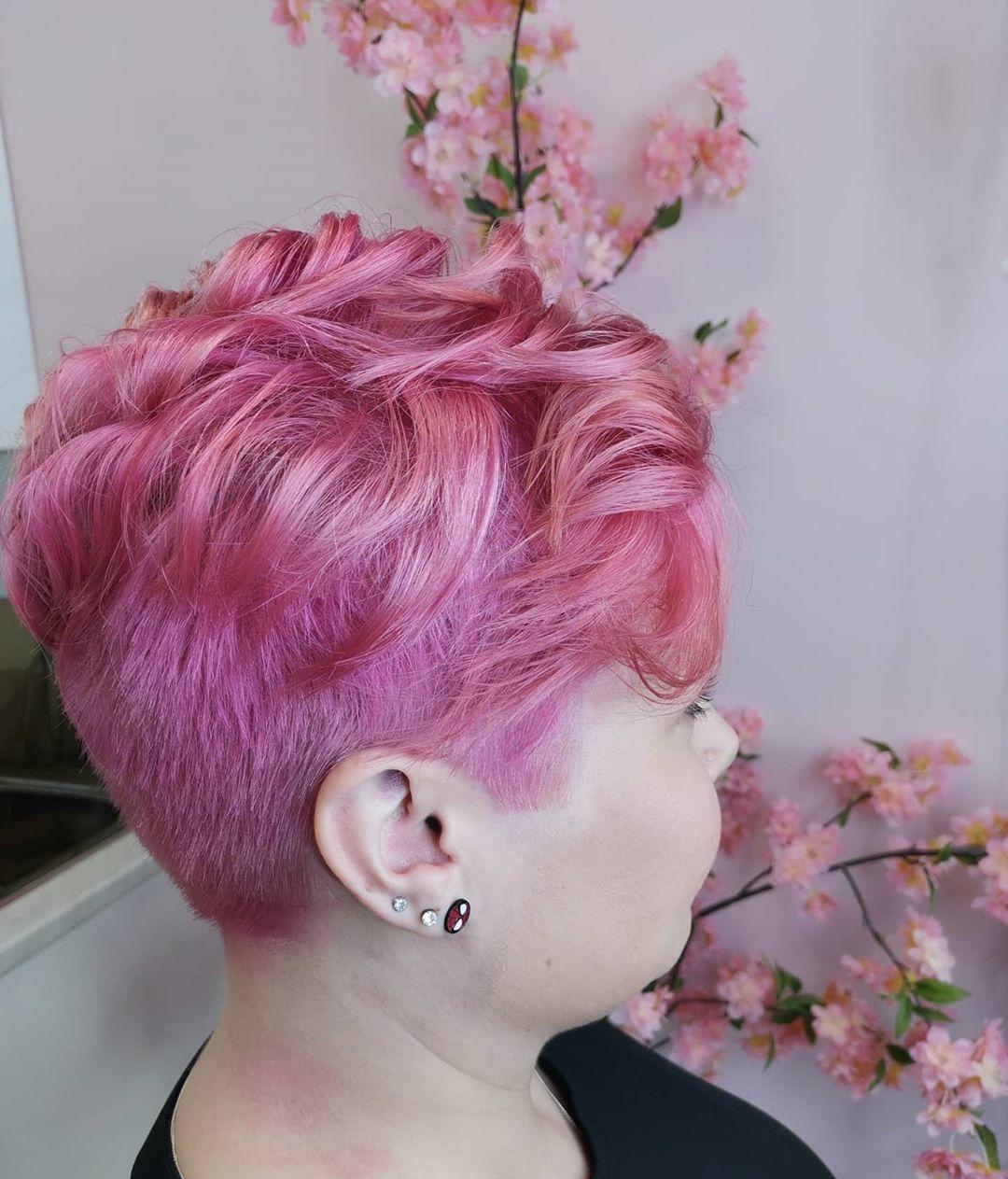 corti rosa mossi