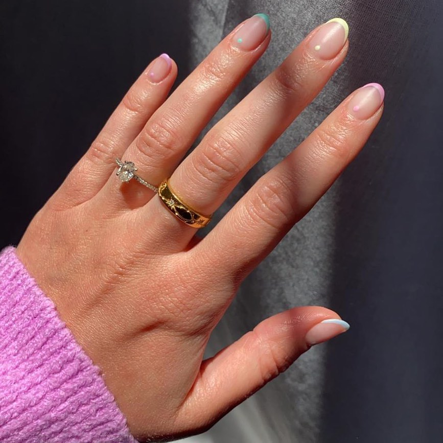french manicure pastello