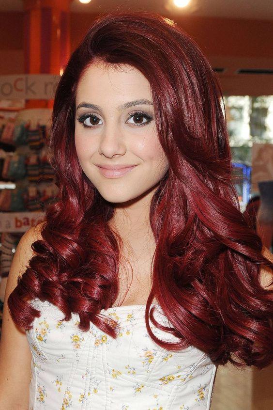 Ariana Grande capelli rossi