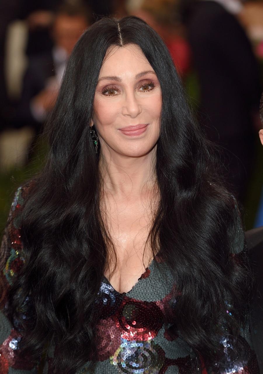 I capelli lunghissimi son tornati di moda! Le celebrità ...