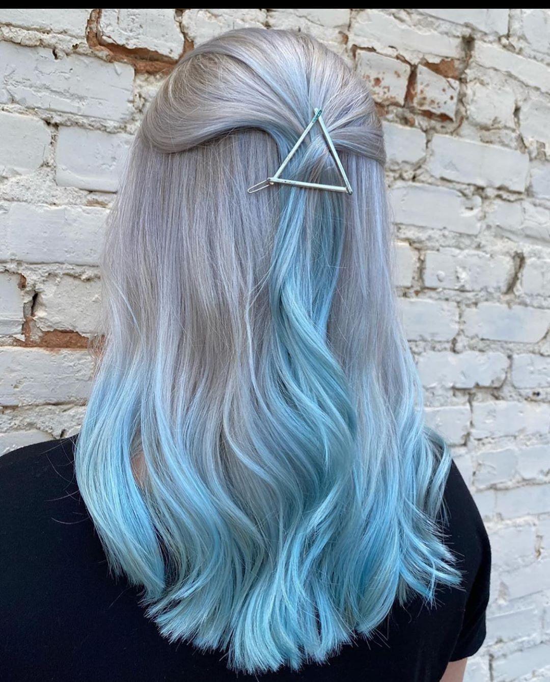 capelli punte colorate