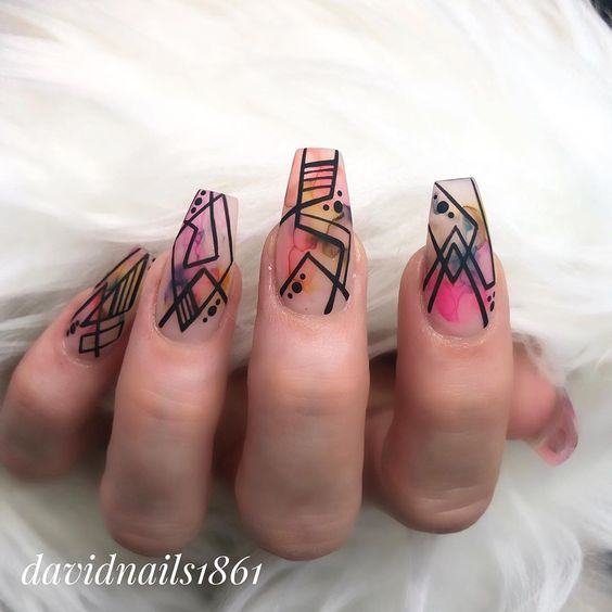 manicure geometrica