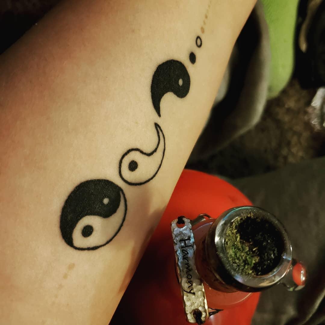 ying yang tatoo