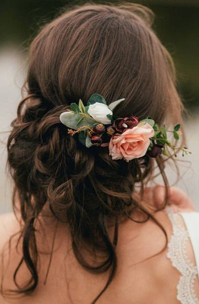 fiori fra i capelli