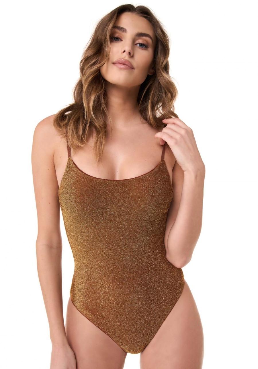 costume goldenpoint
